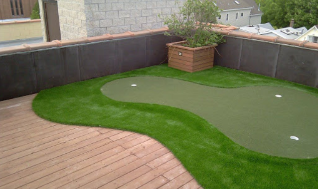 5 Health Benefits of Playing on Backyard Putting Greens In San Diego
