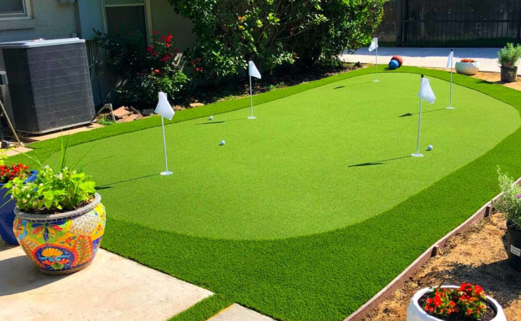 Things to Consider While Using a Synthetic Putting Green in San Diego