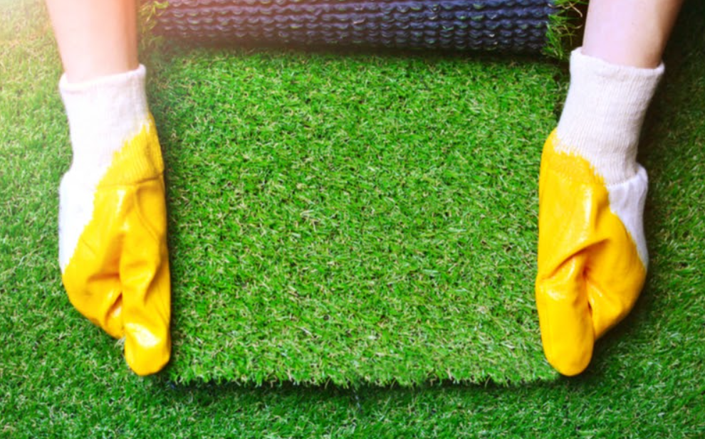 The Busy Homeowner's Guide To Maintaining Artificial Turf In San Diego CA