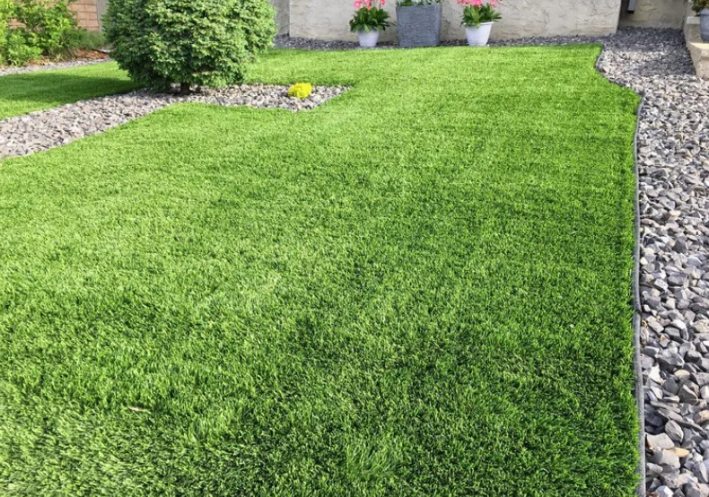 Picking The Best Artificial Grass For Your Space - Everything You Need To Know In San Diego